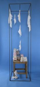 Tafeltje, spiegel, zakdoeken k